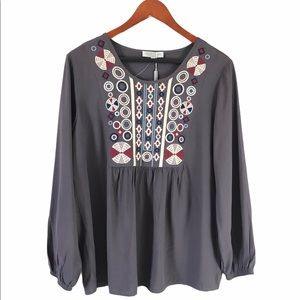 Solitaire embroidered front tunic